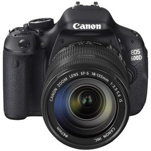 Canon EOS 600D Kit With class-leading 18-megapixel resolution, user-friendly design, and the entire EOS family of lenses and accessories at your disposal, the EOS 600D lets nothing stand in the way of your photography.